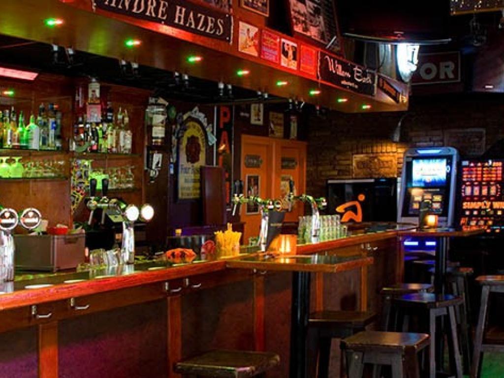 Bloopers bar